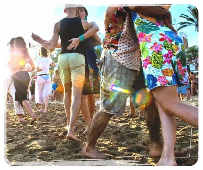 Tango Playa, we dance tango by the sea!